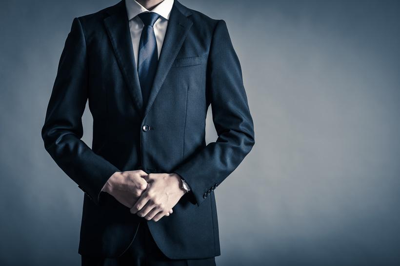 結婚式や披露宴でグレーのスーツを格好良く着こなす方法 ビジネス