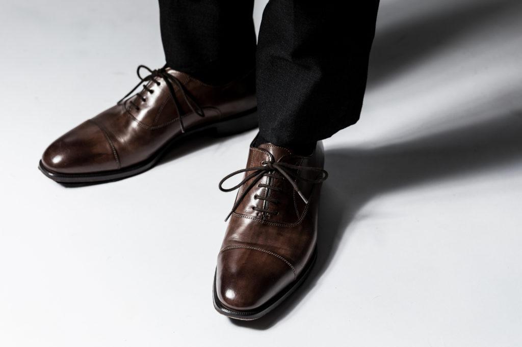 知ってて当たり前!?結婚式では靴下の色にもマナーがある