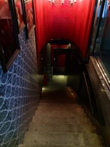 LOBOS入口階段