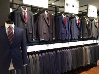店内写真 スーツ